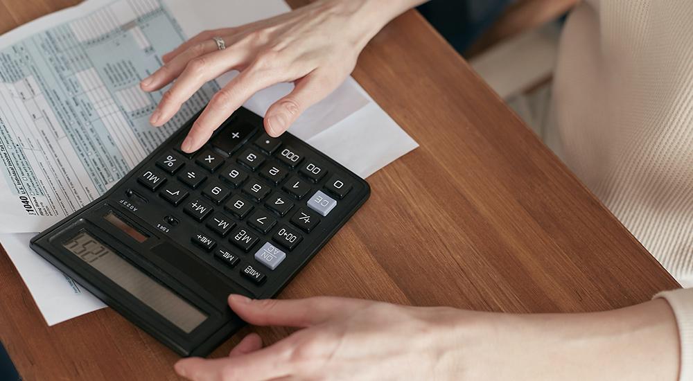 Cancellata la detrazione sulle erogazioni in denaro